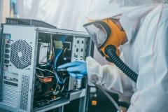 Elektronisten laitteiden homepuhdistus